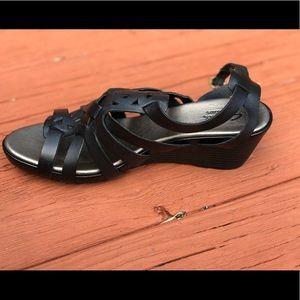 74b70e2fcdb2d4 Clarks Shoes - Clarks Lucia Coral Sandals